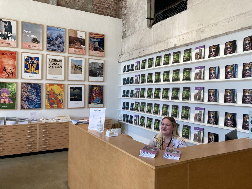 Bokhandel som selger kataloger, kunstfaglige publikasjoner, plakater, postkort m.m.